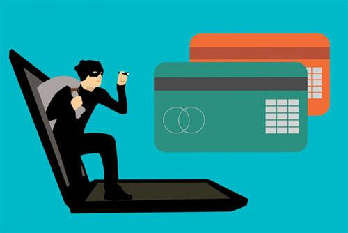 Criminal stealing credit card data