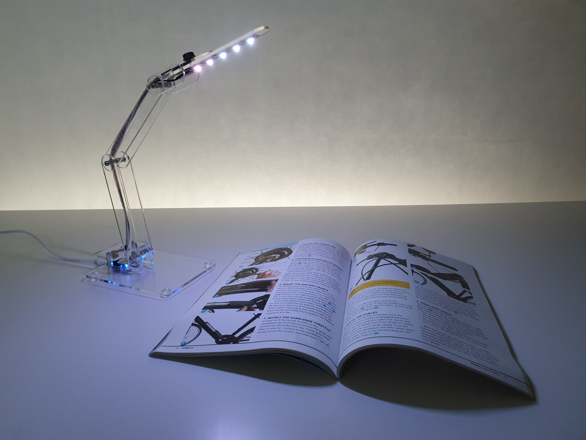 Smartphone Lamp Tech Box